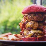 Bremer Burger mit Triple Beef, Bacon und Käse