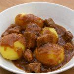 Schwarzbier Gulasch mit Kartoffeln