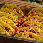 Tacos mit Hackfleisch gefüllt
